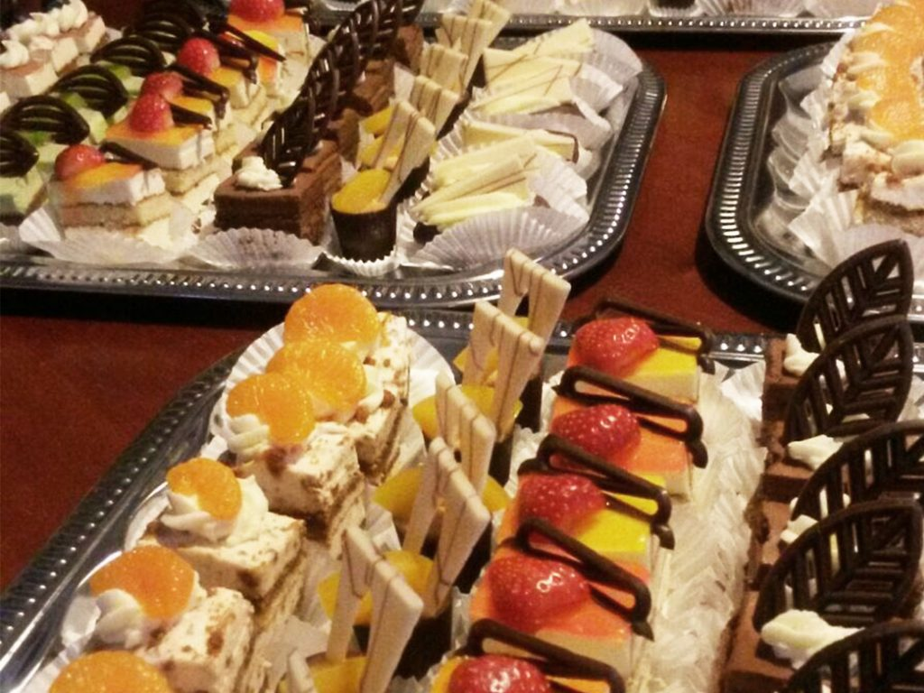Joop's; Petit Fours; fruit 2; 4;3